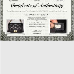 CHANEL Bags - Chanel le boy noir quilted new medium GTH